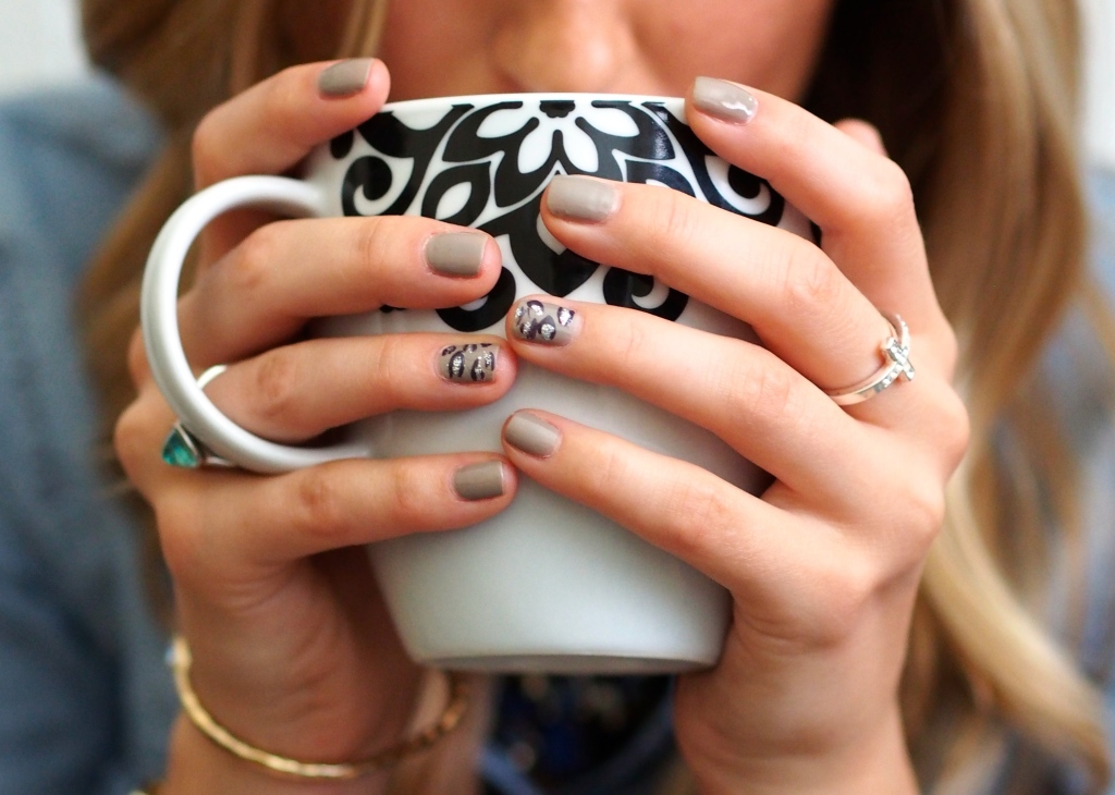 Chic Nail Design - Chic Office Appropriate Holiday Nail Designs - Monique Nicol