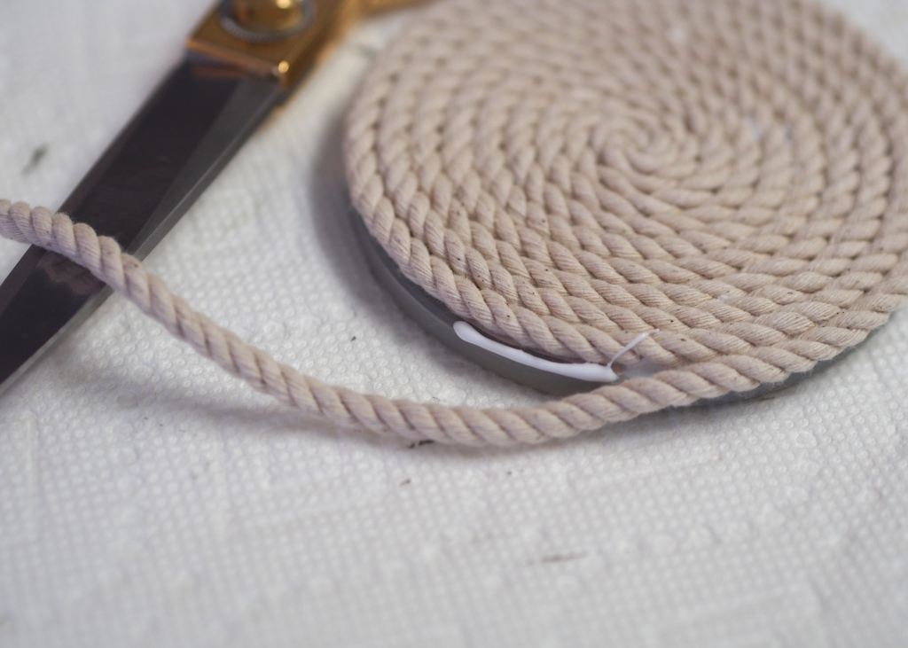 DIY Nautical Rope Coaster